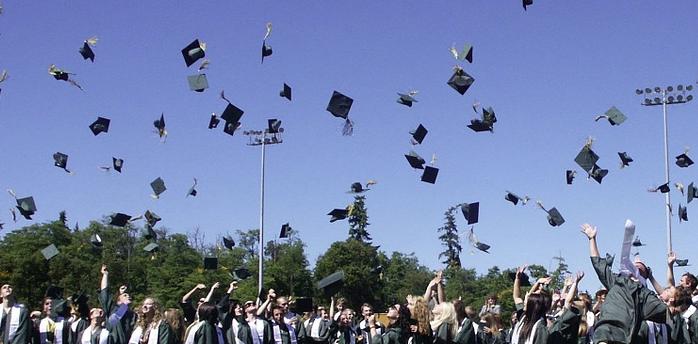 Perché sempre più giovani utilizzano i corsi per diploma in rete