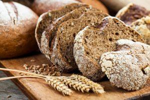 Pane di segale: benefici, calorie e ricetta per prepararlo a casa